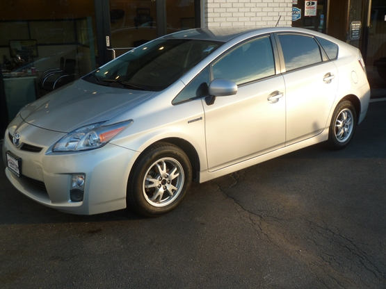 2011 TOYOTA Prius Two FWD